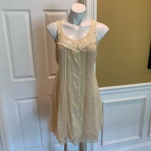 BLU PEPPER~cream lace trim mini dress Sz L
